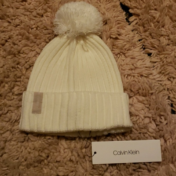 Womens Calvin Klein winter hat. c76b7081565